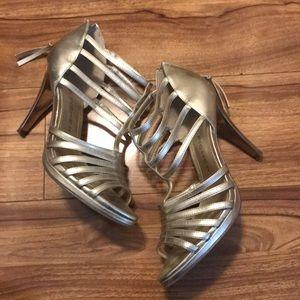 Marc fisher heel
